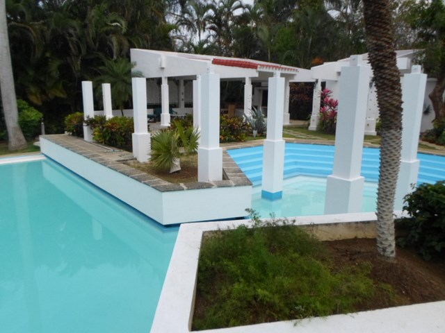 / 95 - RENT LUXURY VILLA WITH SWIMMING POOL HAVANA