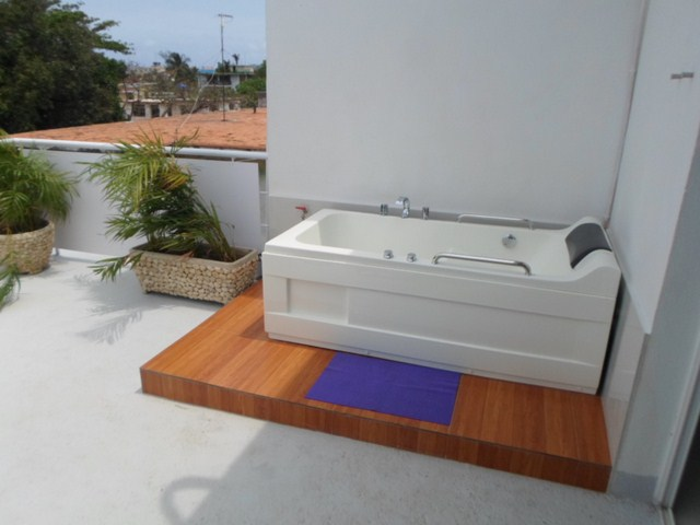111 - LUXURY APARTMENT WITH JACUZZI FOR RENT IN HAVANA MIRAMAR